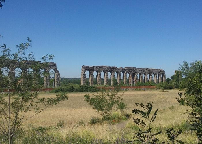 aqueducts of ancient Rome